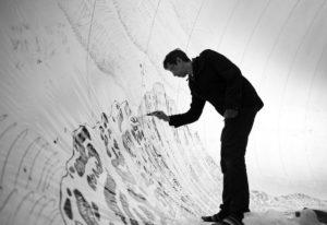 Oscar Oiwa no Paraíso - Desenhando o efêmero'