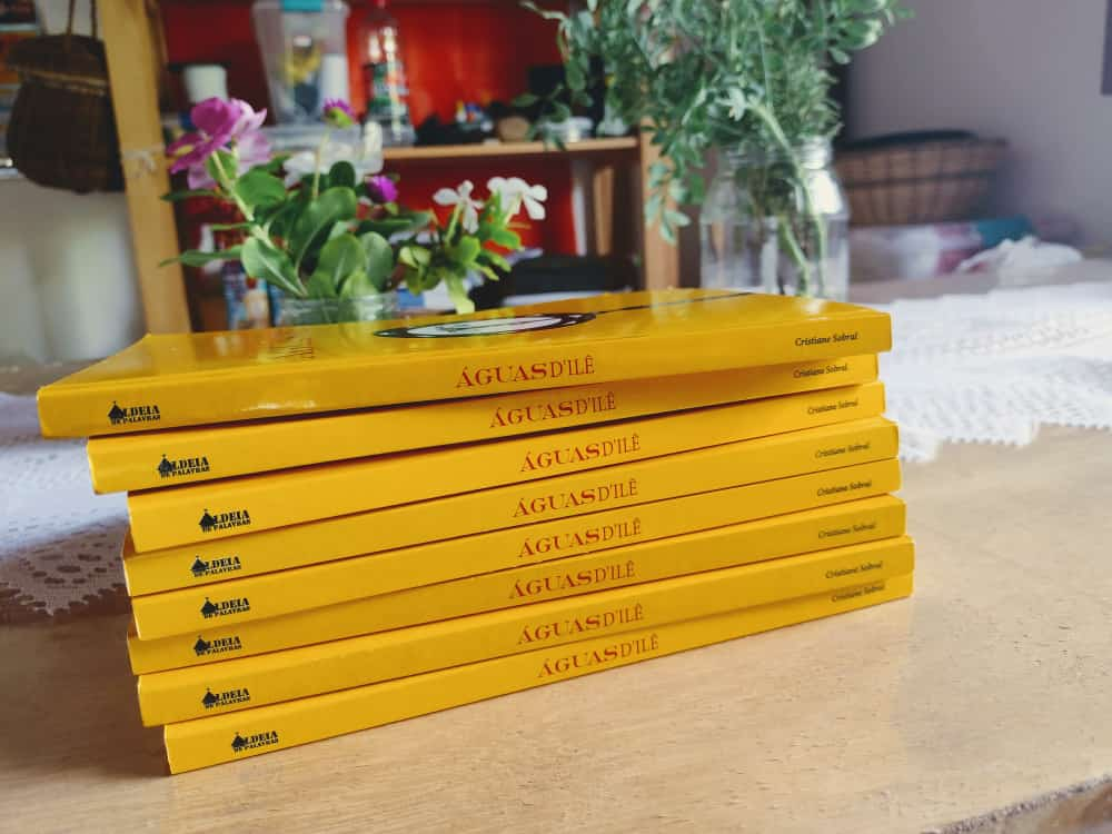 Cristiane Sobral lança coletânea literária