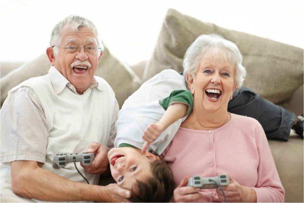Os avós nunca morrem, tornam-se invisíveis