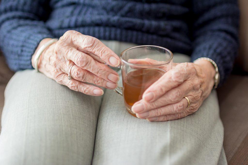 dicas para os idosos enfrentarem o frio