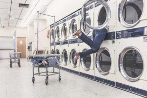 Como lavar suas roupas na viagem?