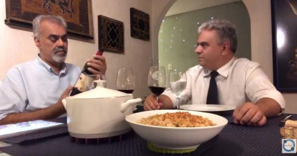Vinhos Degustação. Paixão por Vinhos e Gastronomia. Planeta Merlot e Coelho a Caçador.