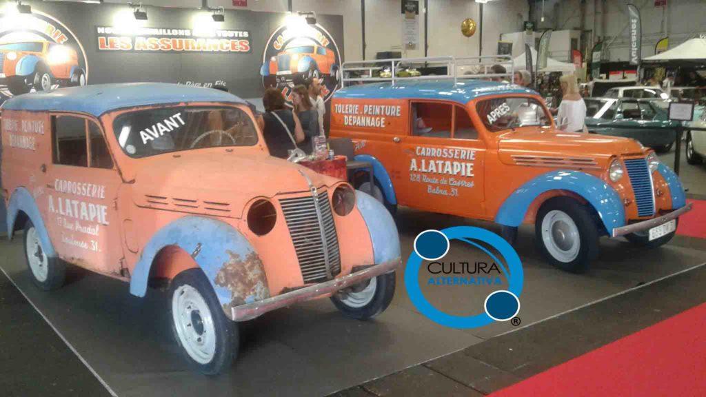 Salão de automóveis antigos na França