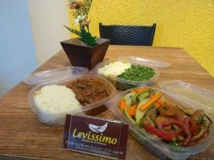 """Restaurante Levíssimo investe em """"marmitas fit e Low Carb"""""""