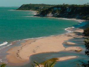 Praias bonitas e mais tranquilas
