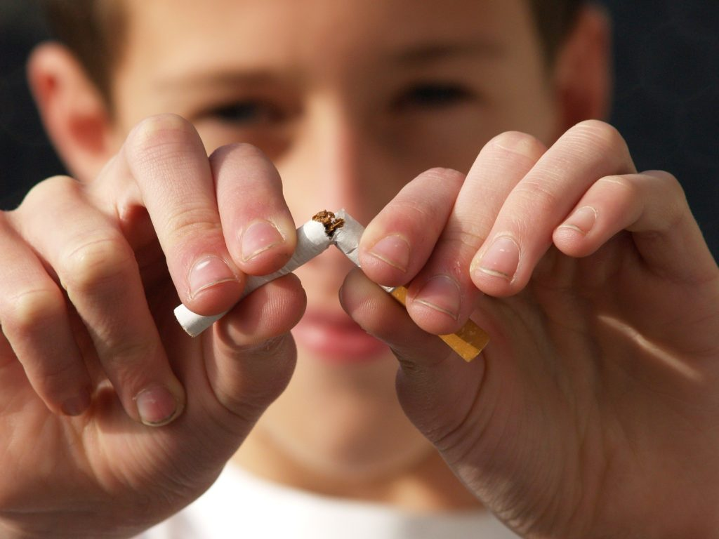 como parar de fumar naturalmente