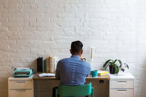 Mercado de trabalho, negócio online