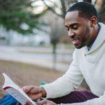 Pessoas que leem são mais felizes