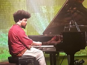 Pianista pernambucano Amaro Freitas