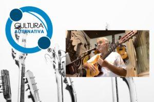 Anand Rao canta para alegrar as pessoas em quarentena