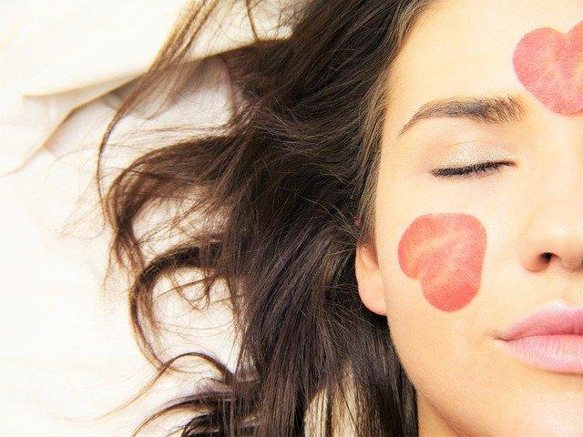 Beijar verbo transitivo