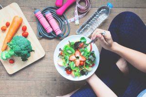Como manter a saúde física e alimentar em tempos de pandemia