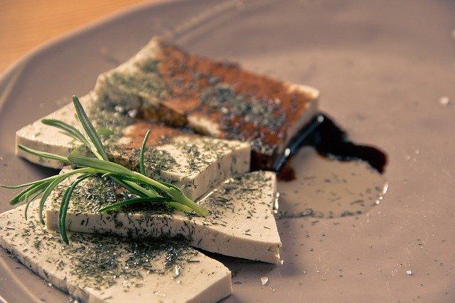 Tofu Refogado com pasta de castanhas